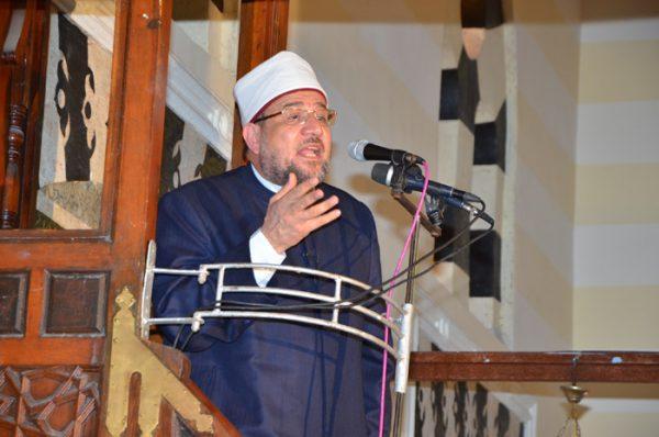 <center> وزير الأوقاف خلال خطبة الجمعة بمسجد العباسي بمحافظة بورسعيد يؤكد: <center/>